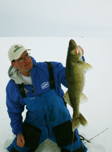 06-jason-mitchel-this-is-real-chubby-darter-size-walleye