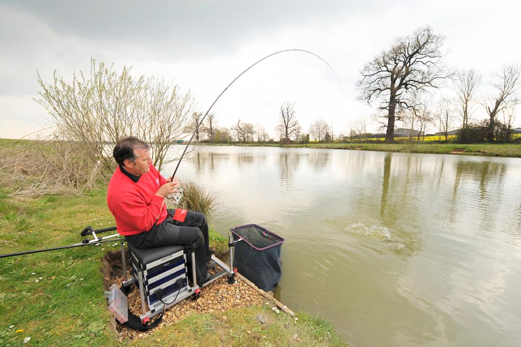 купить в днр рыболовные снасти