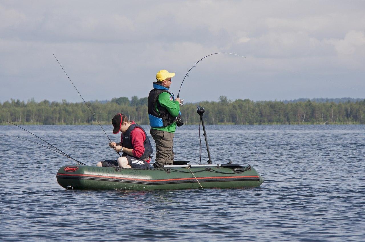 спиннинг для ловли с катера